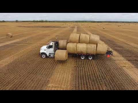 Self Loading-Self Unloading Round Bale Truck