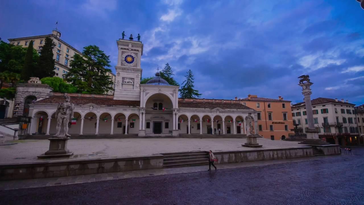 Timelapse Udine piazza Libert  YouTube