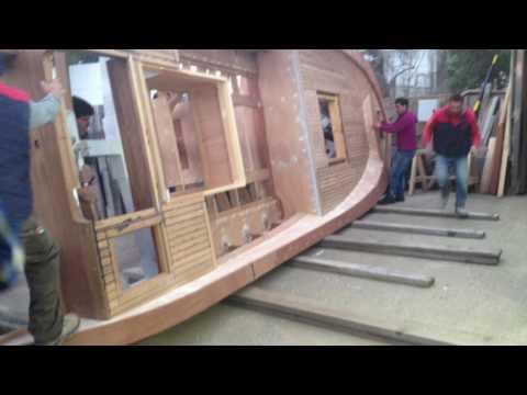 Costruzione barca in legno presso cantiere nautico Andrea Tesoriero - Panarea (Isole Eolie)