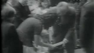Walter Cronkite announces President Nixon