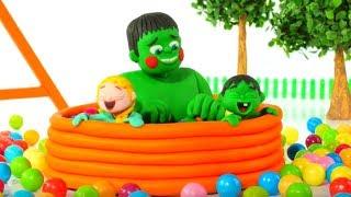 FROZEN ELSA & HULK JUMP INTO THE BALL PIT ❤ Spiderman, Hulk & Frozen Play Doh Cartoons For Kids
