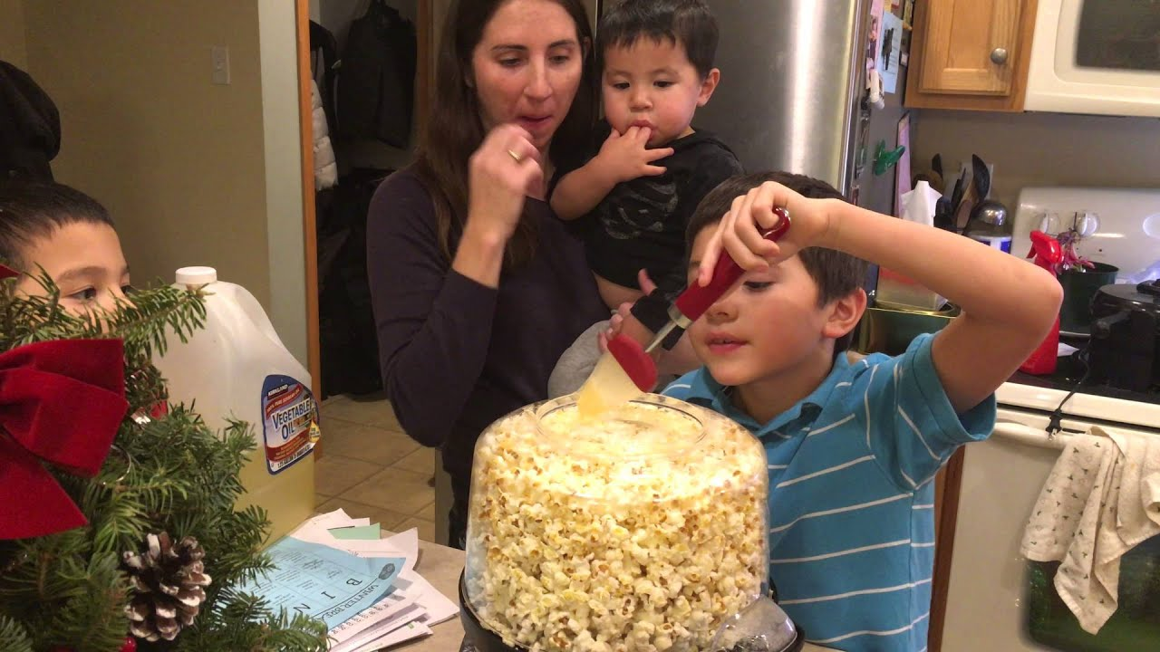 Thechanclan Popping Popcorn With The West Bend Stir Crazy Popcorn