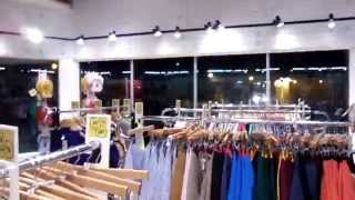 A Day in the Life of an American Apparel Employee