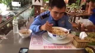 Đặc sản Đà Nẵng - Thách thức tô mỳ Trần Khổng Lồ P1