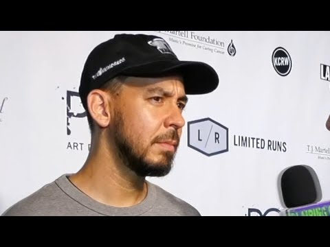 "Mike Shinoda Responds To ""Sinister"" Question About Chester Bennington + Linkin Park"