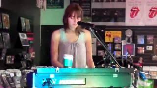 "Cheyenne Marie Mize - ""Doctor"" (Live @ ear x-tacy/10.12.2010)"