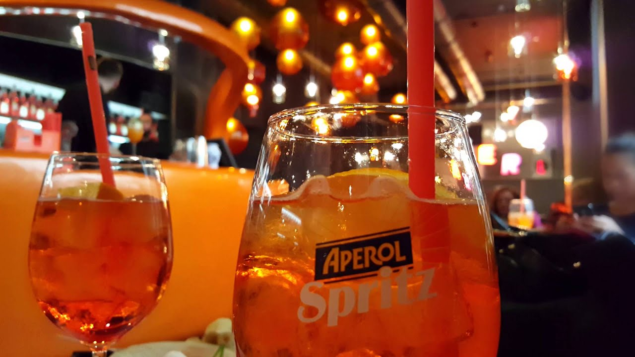 Best Milano: Aperol Spritz aperitivo at Terrazza Aperol Duomo - YouTube
