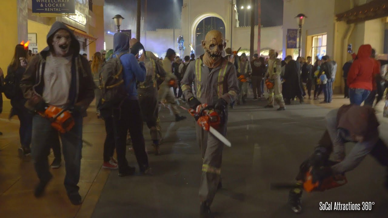 crazy chainsaw chase out at halloween horror nights 2015 - universal