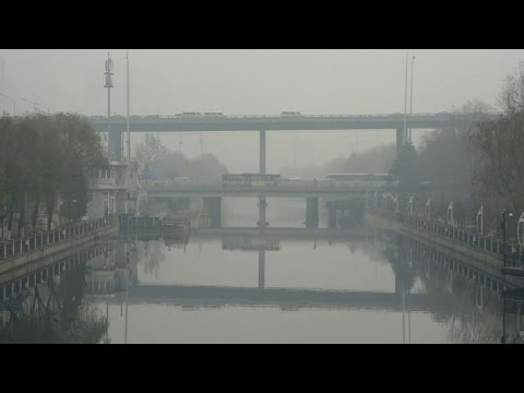 China alerts spread as Beijing besieged by smog