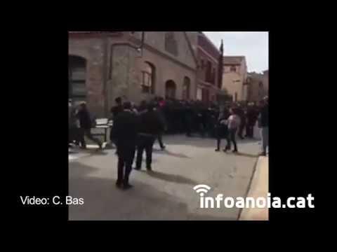 La Guàrdia Civil carrega contra els veïns de Sant Martí Sesgueioles