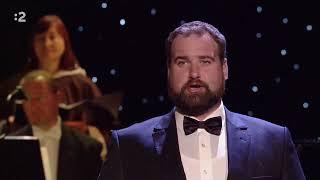 Opera Hrad prepevn - Chote a ite uenkmi nrody