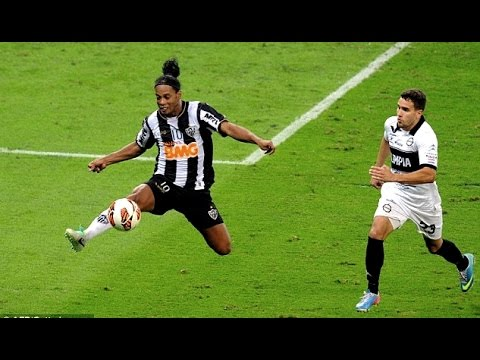 Video: Ronaldinho Craziest Skills Ever |HD