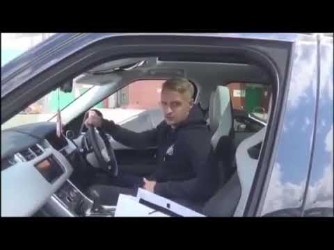 Footballer Leigh Griffiths gets an insight on how the earth is flat