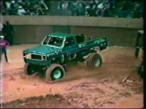 USHRA Battle of the monster trucks and mud bog spectacular Richmond, VA 1987