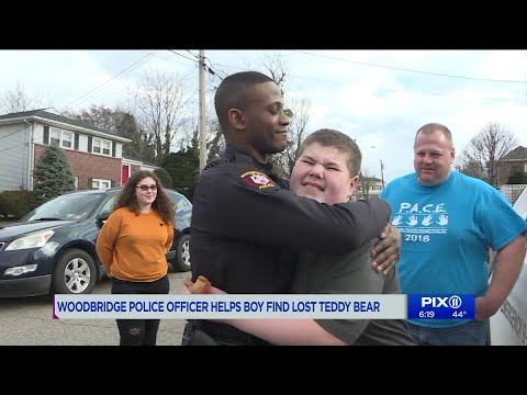 PET CENTRAL -  PET TAILS - Cop helps child with autism find his lost teddy bear after 911 call