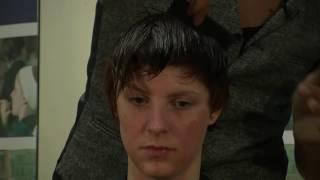 Курс Фризьор. Дистанционен курс. Оформяне градиране при къса коса. Emerging short graduation cut