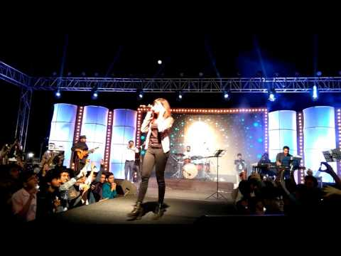 Shirley setia live in indore in IIT INDORE CAMPUS