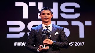 Video The Best FIFA Football Awards 2017 - Cristiano Ronaldo wins Best FIFA Men's Player Award 2017 download MP3, 3GP, MP4, WEBM, AVI, FLV Juli 2018