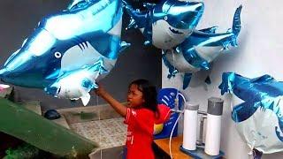 QYLA MELEPAS BALON UDARA MAMA SHARK dan BABY SHARK | COVER SONG BABY SHARK DANCE