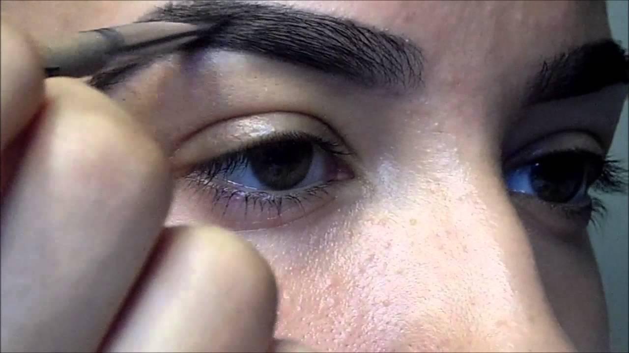 Eyebrow Tutorial: How I Fill In My Eyebrows - YouTube