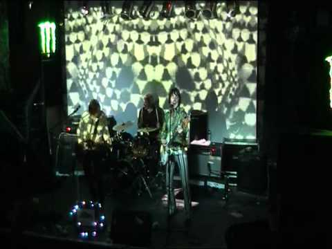 "The Sonic Jewels perform ""Electric Stan"" @ The Purple Turtle, Camden"