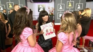Exclusive! Sophia Grace & Rosie Bonus Grammy Footage! thumbnail