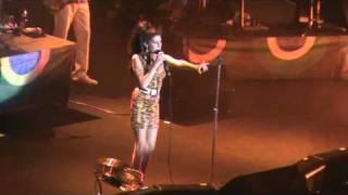Valerie - Amy Winehouse (Rio de Janeiro @ HSBC Arena)