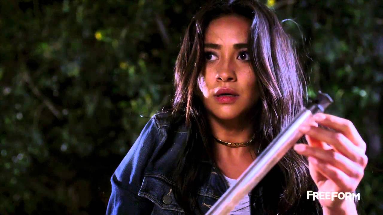 """Pretty Little Liars 6x17 Official Promo """"We've All Got"""