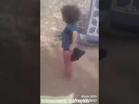 Une petite fille qui danse kabyle youtube - Petite souris qui danse ...