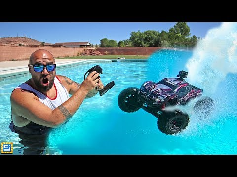 RC Car Drive Across Swimming Pool Adventure!!