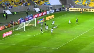 Fred (Fluminense) with an epic miss against Santos in Liga do Brasil