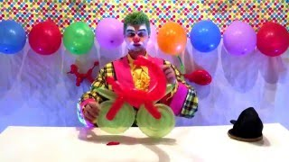 Happy Clown Biffy Makes a Balloon Motorbike, Funny Clown Video's for Kids