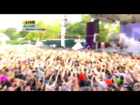 Lady Gaga Zip Lines Over Fans Onto Stage 2011