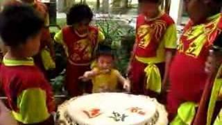 Zensen plays Lion Dance drum (Part 2)