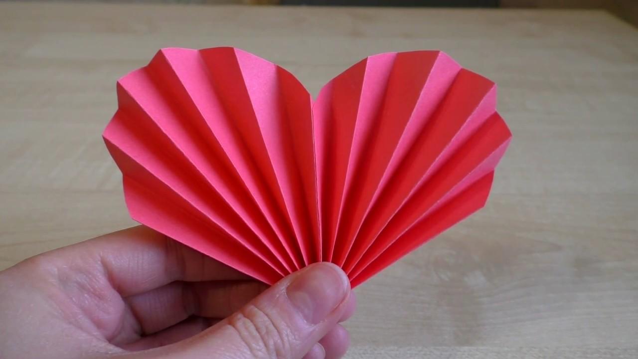 Как сделать сердце из бумаги. Валентинка своими руками. Подарок маме.