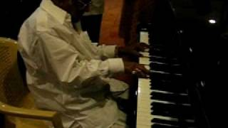 MSV UNPLUGGED - CREATOR'S GOLDEN FINGERS ON THE GRAND PIANO!