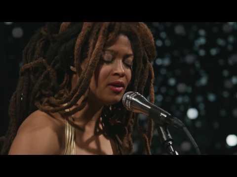 Valerie June - Astral Plane (Live on KEXP)