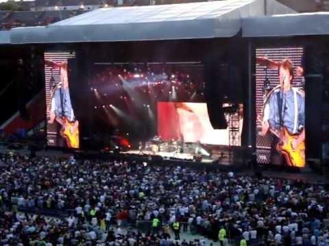 Paul McCartney - Paperback Writer - Hampden Park Glasgow 20.06.2010 Up And Coming Uk Tour