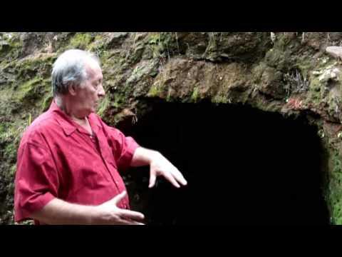 La antigua tumba del Cacique Malchia en Volcán Barú Panamá Fort David Museum