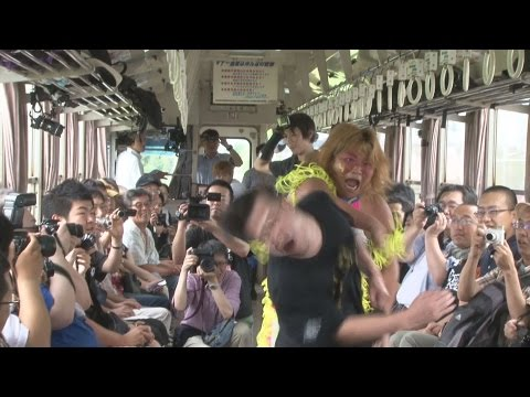 All aboard Japan's crazy pro wrestling and electronic dance music trains! 【Videos】