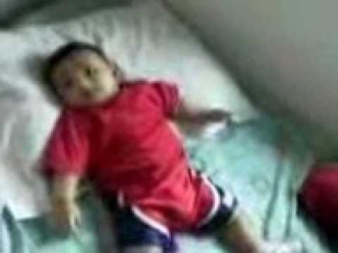 Little kid dancing to Tamil Ganna song.m4v