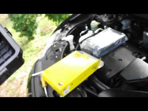 Removing air filter 2010 Mitsubishi Outlander 2.4 petrol engine.