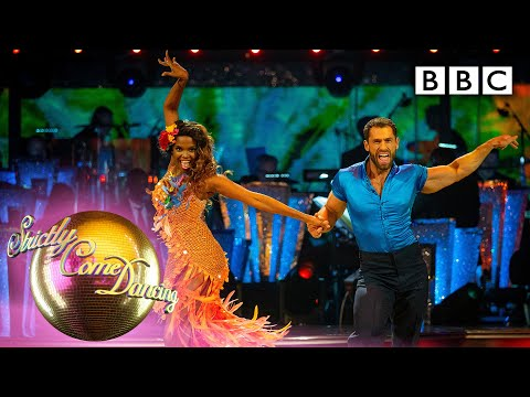 Kelvin and Oti's sizzling Samba turns up the heat 🔥👏 - BBC Strictly