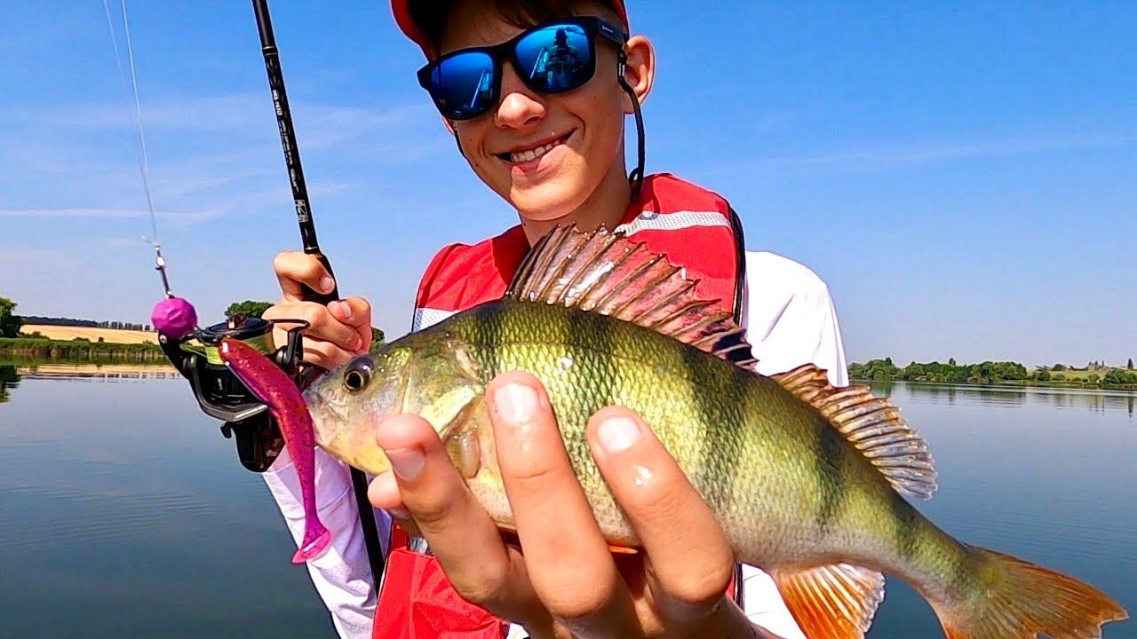 Рыбалка сказка! Что не заброс, то рыба! Как и на что ловить окуня летом?