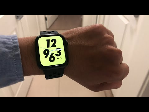 Unboxing the Apple Watch Nike+ Series 4 (44mm).