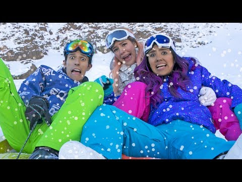 FALLS AND SLIDES IN THE SNOW | LOS POLINESIOS VLOGS