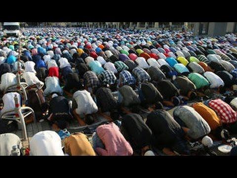 Мусульмане отмечают праздник