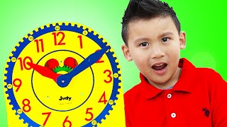 Liam and Andrew Learn How to Tell Time on A Clock | Learn and Play Video for Kids