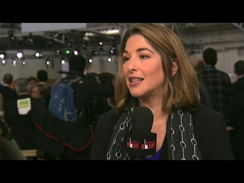 """Naomi Klein on Paris Summit: Leaders' Inaction on Climate Crisis is """"Violence"""" Against the Planet"""