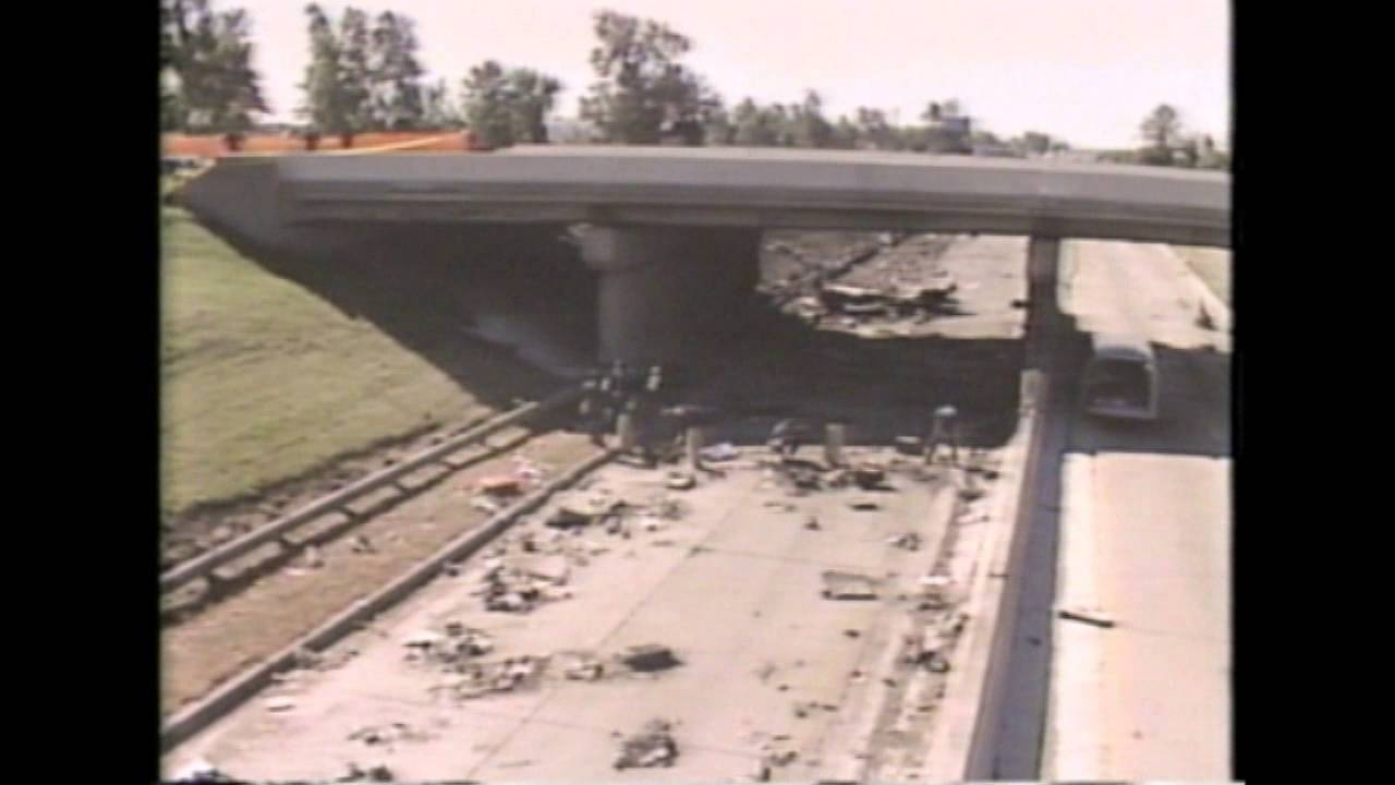 the northwest flight 255 This summer will mark 26 years since northwest flight 255 crashed onto the highway outside detroit metro airport one hundred fifty-seven people were.